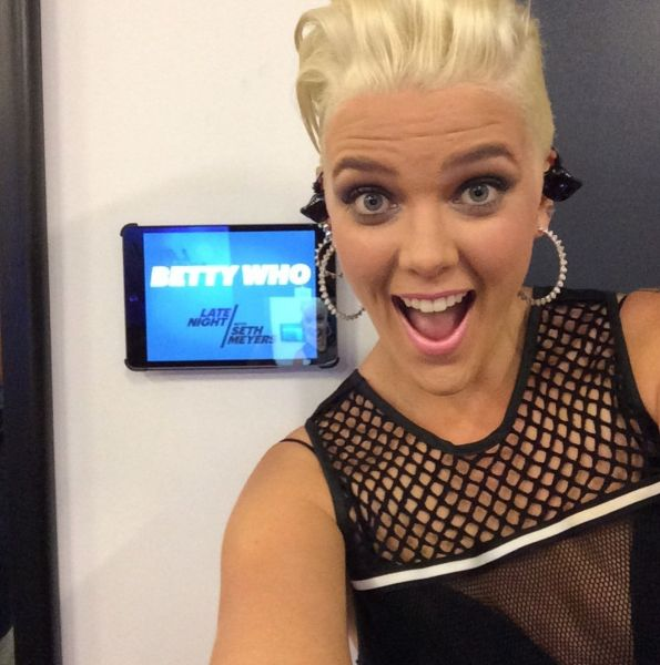 Betty Who marks TV debut with 'Somebody Loves You' on 'Seth Meyers'