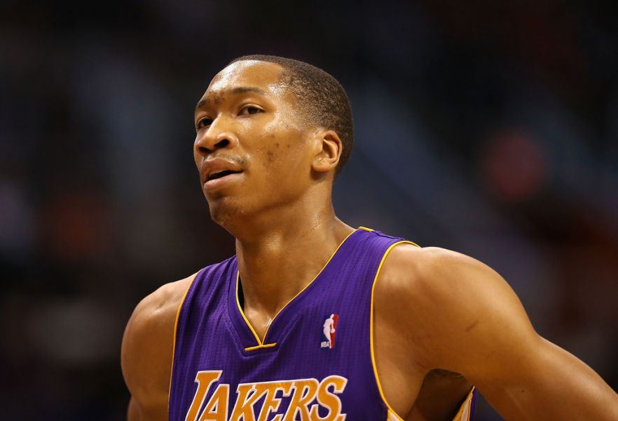 Los Angeles Lakers re-sign Wesley Johnson to a one-year deal
