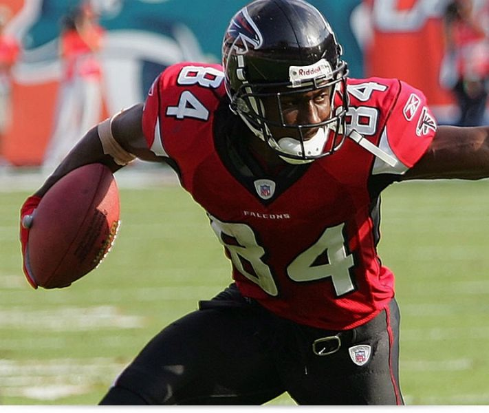 Roddy White agrees to contract extension with Atlanta Falcons