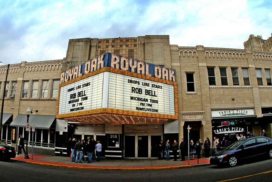 Detroit 39 s royal oak music theatre goes high tech with new for Way back house music