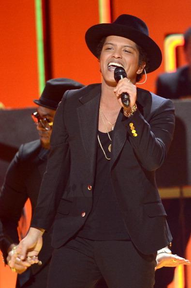 Bruno Mars scores first No. 1 album on Billboard's Top 200
