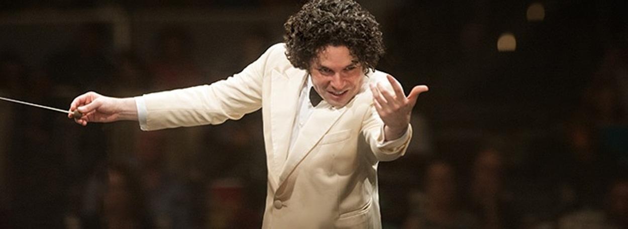 20,000 hear Dudamel conduct a romantic and restorative program of Beethoven
