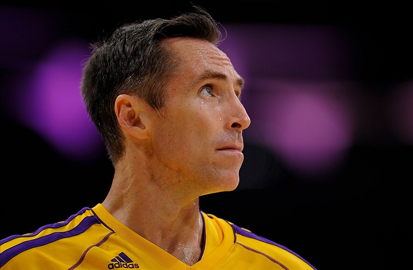 Los Angeles Lakers will not use stretch provision on Steve Nash