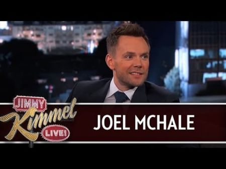'Community' star Joel McHale brings the laughs, no matter what platform