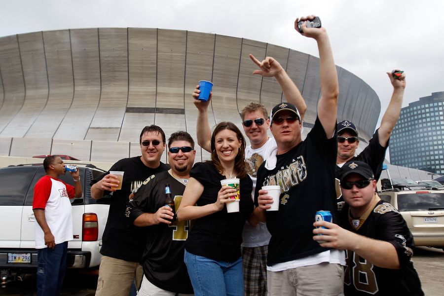 Tailgate timing At Mercedes-Benz Superdome