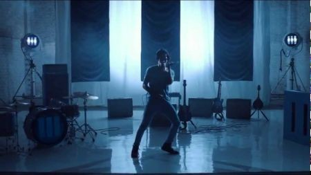 Jack White releases official 'I'm Shakin'' music video
