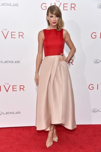 Taylor Swift is red hot at 'The Giver' premiere in New York