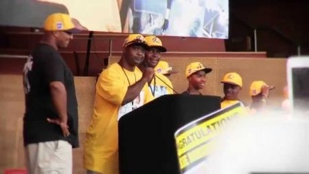 Jackie Robinson West T-shirt sales pull in $164,481 for team