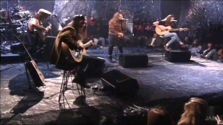 Pearl Jam Tour heads to California Halloween
