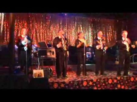 Brylcream lead singers, Billy D and Christine, sing classic rock, disco & more