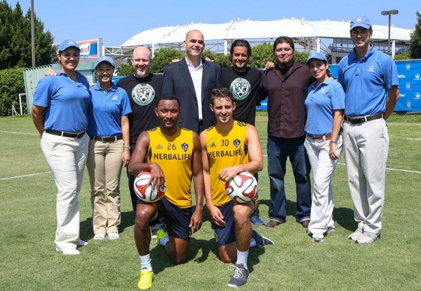 SoCal Honda Dealers And LA Galaxy Together Again To U0026#039;pass It Forwardu0026
