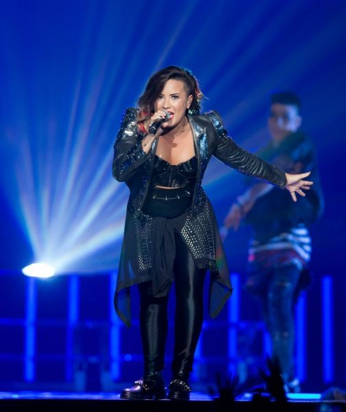 Demi Lovato reunites with Joe Jonas for 'This is Me' in concert