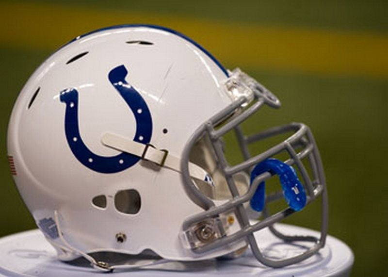 Major media outlets make NFL predictions with some having Colts in Super Bowl