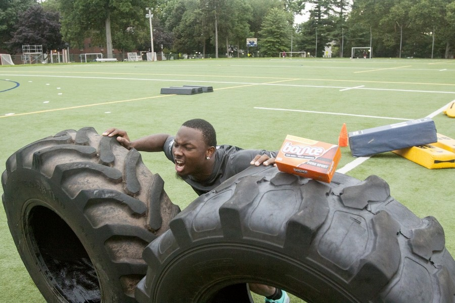 Seven questions with Eagles LeSean McCoy on the season and Bounce For Men