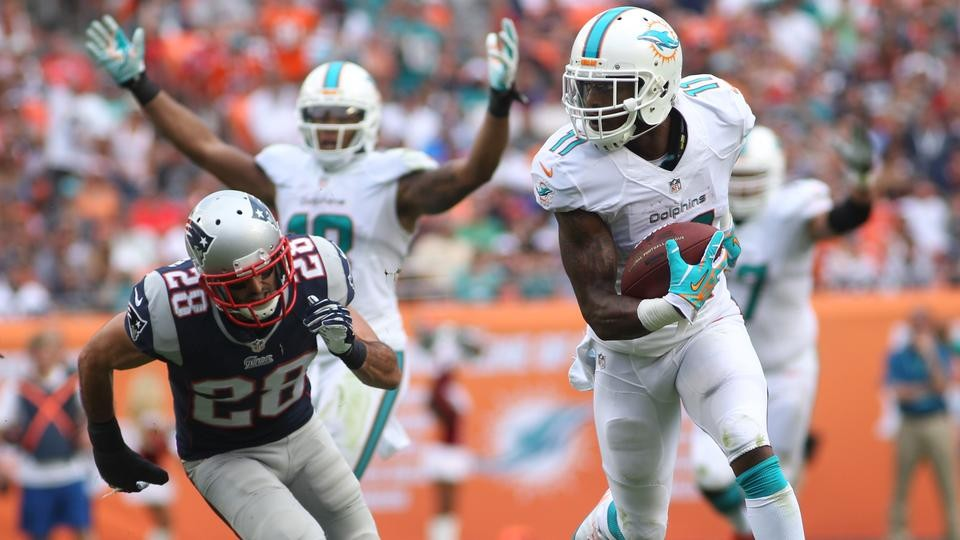 Patriots blow early lead in loss to Dolphins