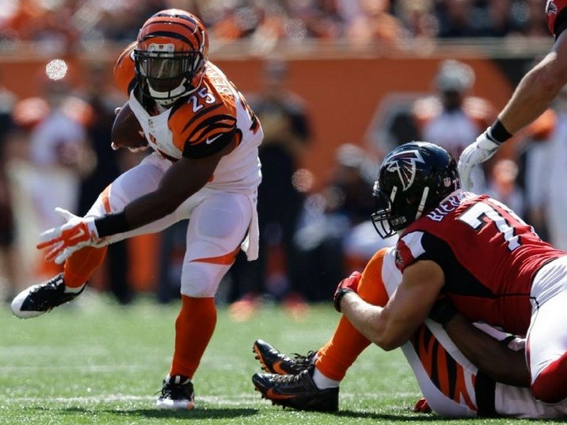 Bengals dominate both sides of the ball in 24-10 win over Falcons