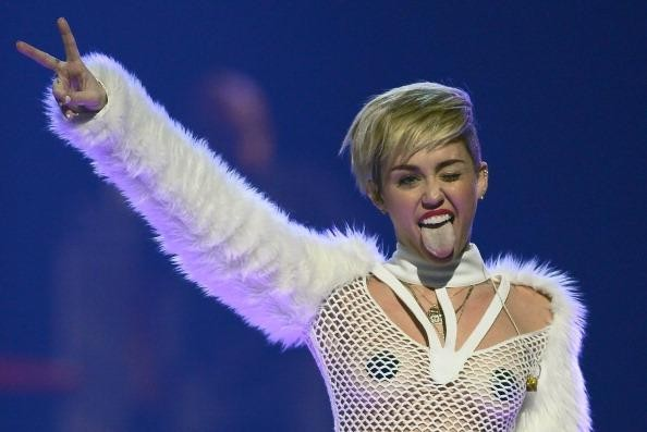 Miley Cyrus shocks with 'Bangerz' release