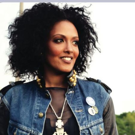 Ethiopian born and current Washington, D.C. resident Wayna Wondwossen released her latest album, The Expats, back in 2013. Wayna blends infl