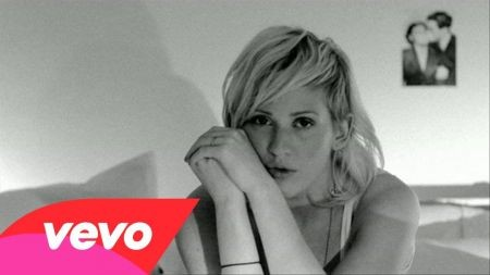 Ellie Goulding releases official 'Figure 8' music video