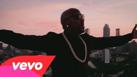 Young Jeezy performing in Los Angeles Winter