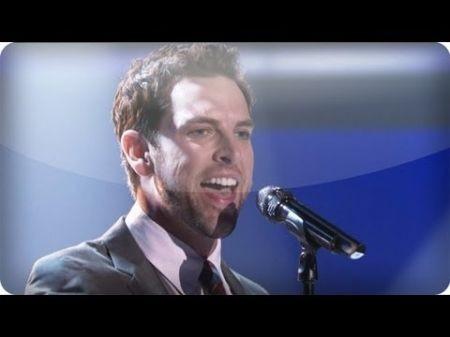 'Voice' finalist Chris Mann is new US 'Phantom of the Opera'
