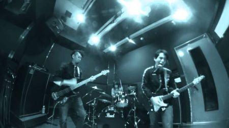 Otonana Trio reminds you 'Life is Awesome!!'