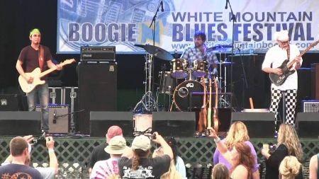 Sauce Boss plays lowdown boogie blues