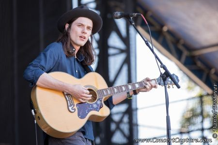 Singer James Bay opened the Samsung stage on Friday at ACL. The British vocalist has a couple E.P.s to his credit, including the recently re