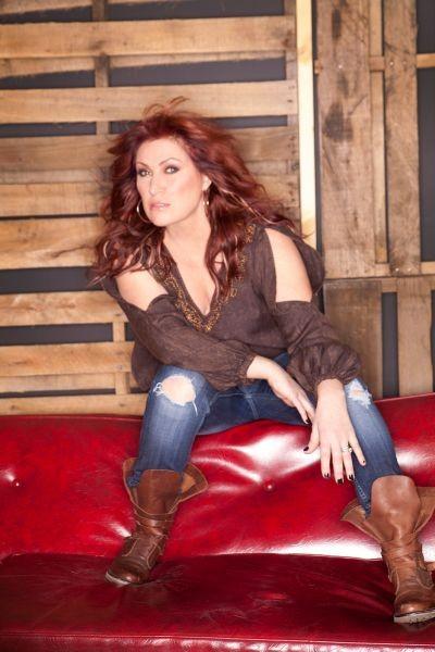'ME': Jo Dee Messina talks new album, Easton, Pennsylvania appearance