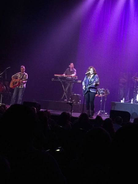 Country artist Jo Dee Messina brings hits, message to Easton's State Theatre