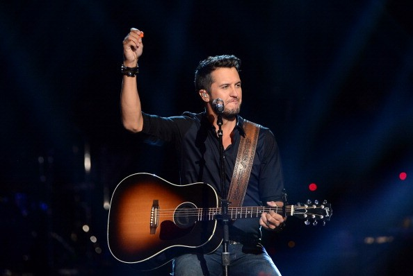 Luke Bryan will be performing live at the Billboard Music Awards