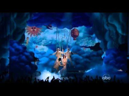 Katy Perry debuts new single 'Wide Awake' on 'Billboard Music Awards'