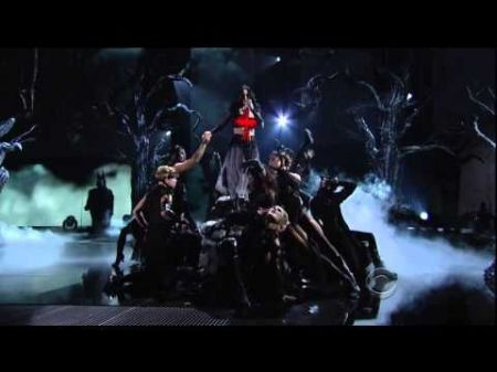 Katy Perry's Grammy performance of 'Dark Horse' gets creepy