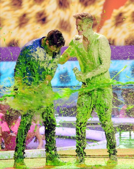 Cody Simpson gets covered in slime at Kids' Choice Awards