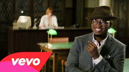 Ne-Yo performing in Hollywood October releases new video