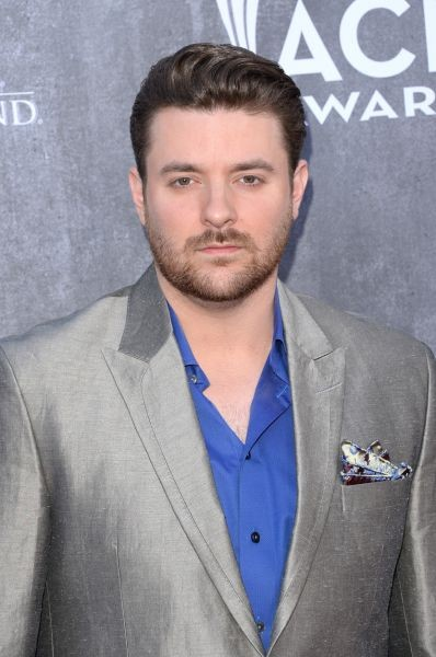 Country star Chris Young scores No. 1 single with 'Who I Am With You'
