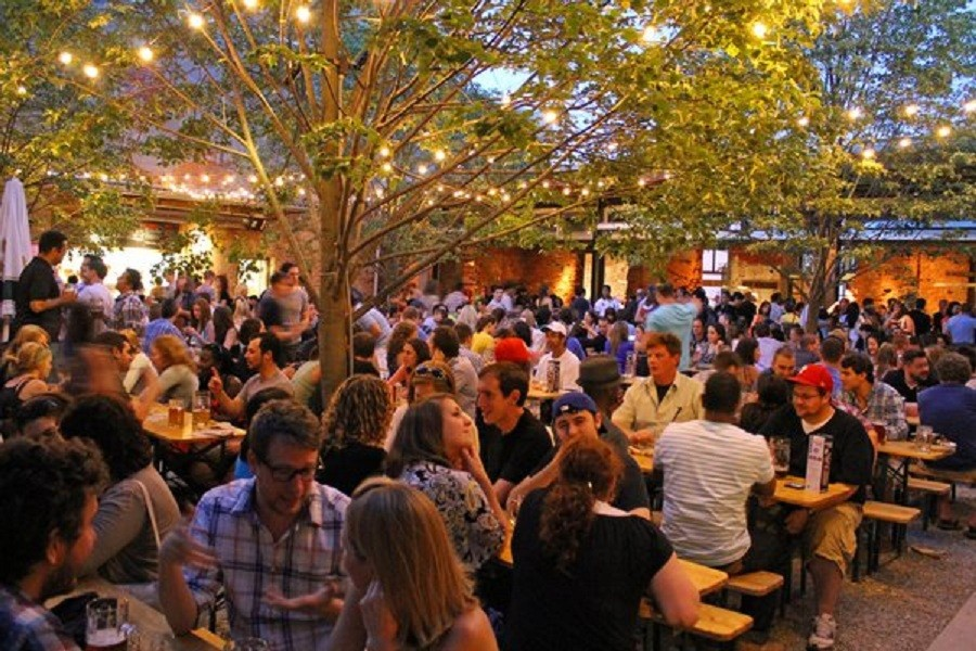 Best Bars In Philly To Have Fun At On Thanksgiving Eve