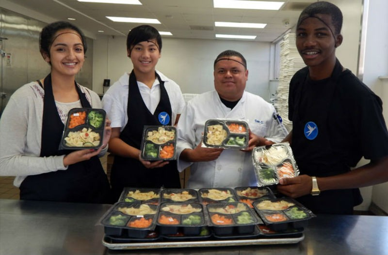 Giving thanks: Best places to volunteer in Los Angeles