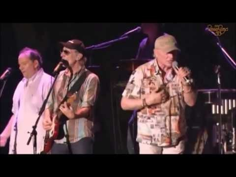 Beach Boys singer Mike Love will tell all in new book due summer of 2016