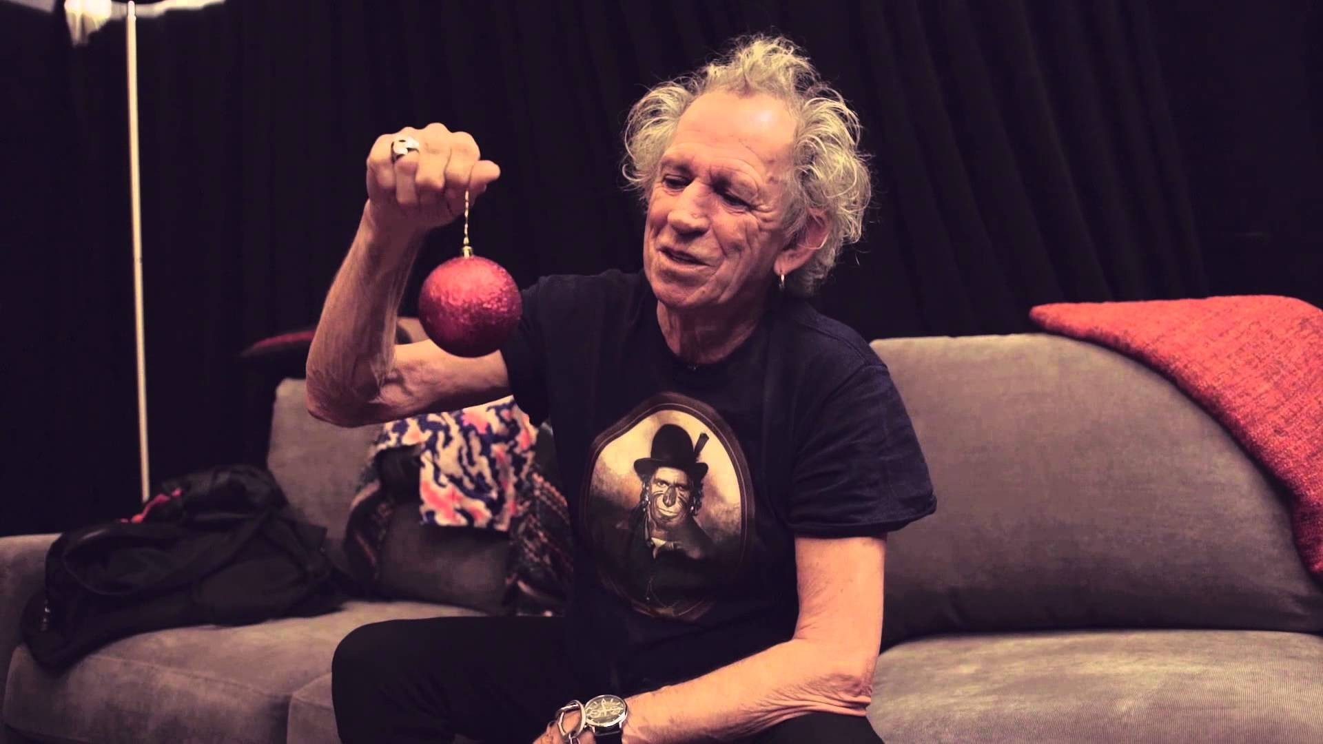 Watch Keith Richards Sends Fans Happy Holidays Video Message Axs