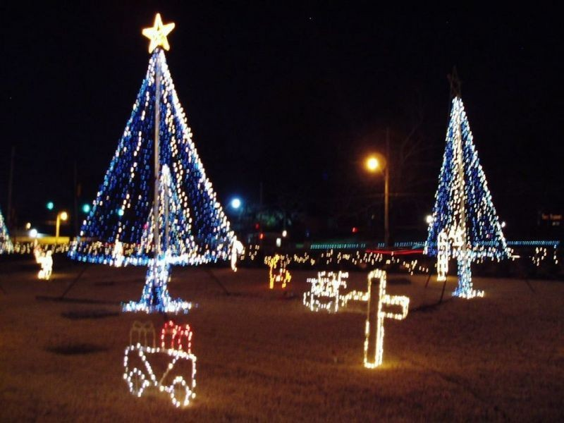 best places to see christmas lights in memphis
