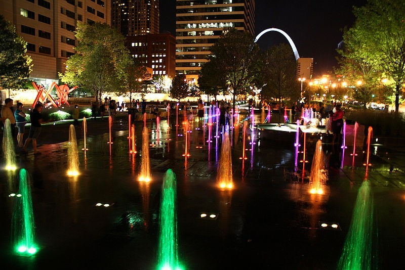 best places to take holiday family photos in st louis axs