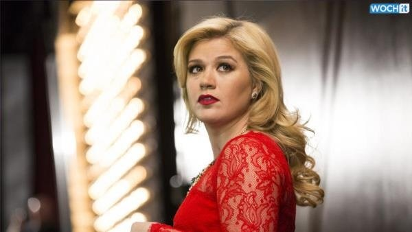 Kelly Clarkson reveals new hints about upcoming album including single title
