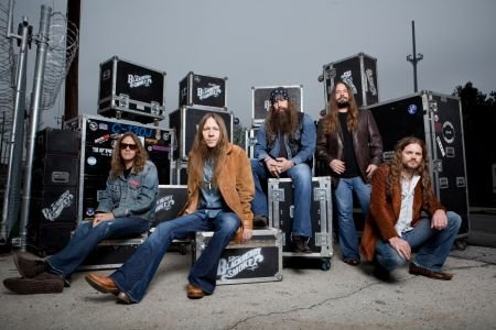 2014 brought some changes to the Blackberry Smoke team. The band left  Zac Brown's Southern Ground record label and signed with Rou