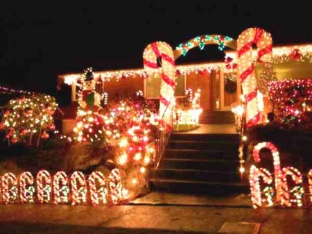 candy cane lane off seattles ravenna blvd is the area
