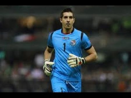 Jaime Penedo of the LA Galaxy honored: 100th game with Panama
