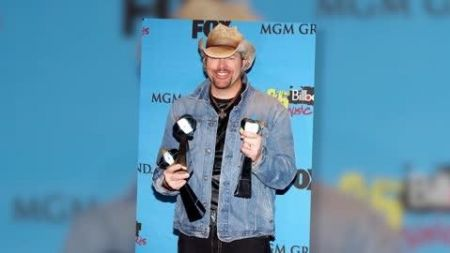 Toby Keith announces summer 2015 Good Times & Pick Up Lines Tour