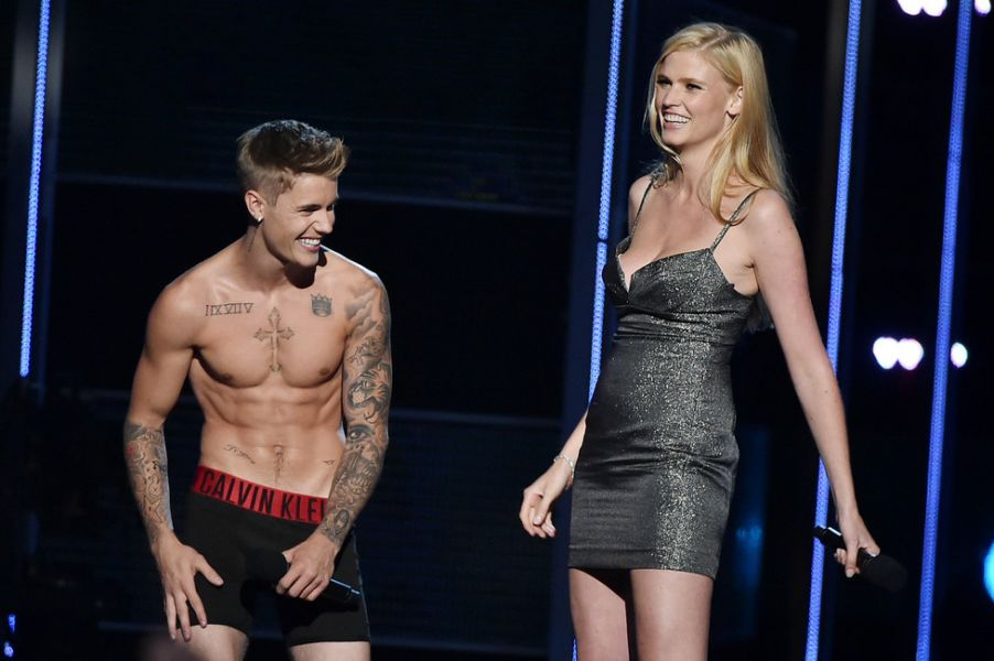 After tossing tofu, Justin Bieber beefs up with high protein diet and exercise