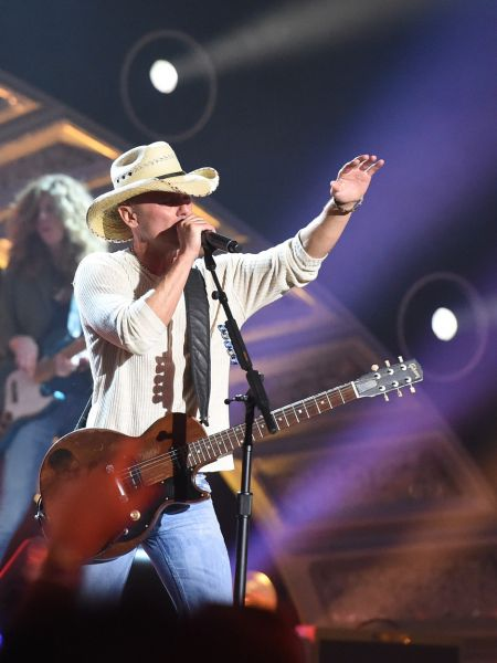 Kenny Chesney reveals additional dates for 2015 The Big Revival Tour