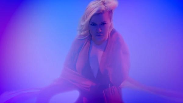 Kelly Clarkson announces Piece By Piece Tour with Pentatonix